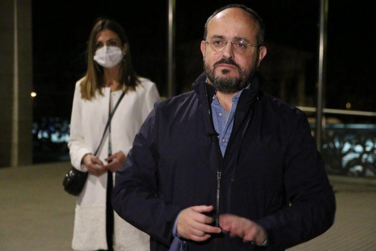 Alejandro Fernández (PP) pide al Govern que «llame a la participación» de todos los catalanes el 14F