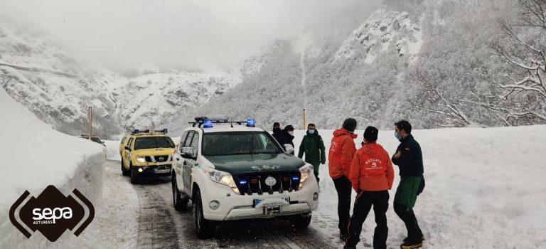 El SEPA de Asturias espera retomar este miércoles el operativo de búsqueda en el alud de San Isidro