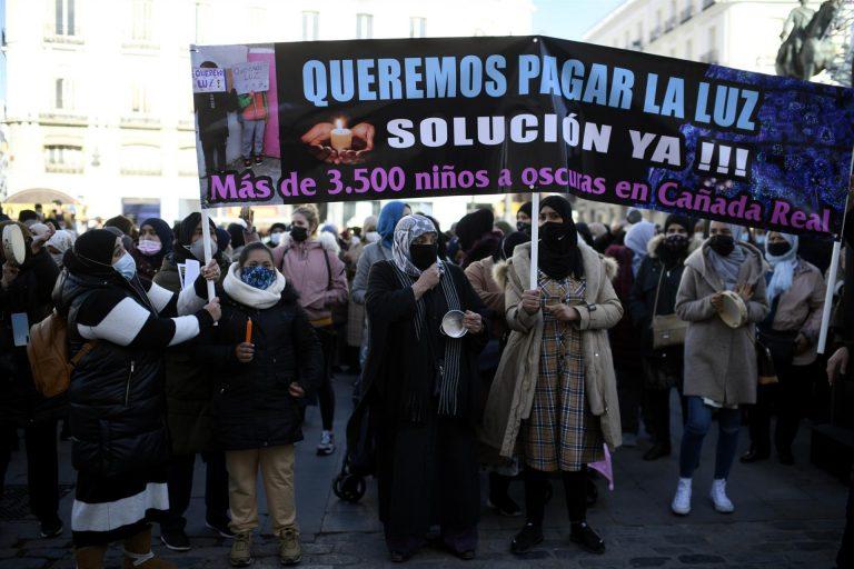 Almeida ofrece espacios municipales para albergar a las familias de la Cañada Real