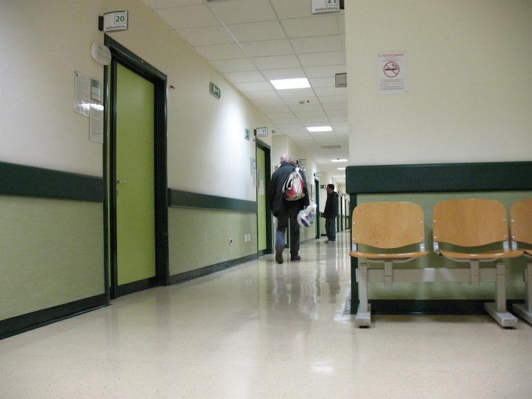 Satse denuncia que la «mayoría» de CCAA no han reforzado sus plantillas de enfermeros para la tercera ola