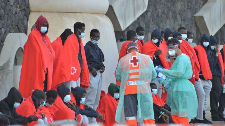 Rescatadas, durante la noche, dos pateras al sur de Gran Canaria con 125 migrantes