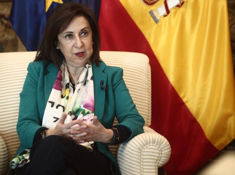 Robles defiende a Felipe VI y llama a la discreción en el Consejo de Ministros