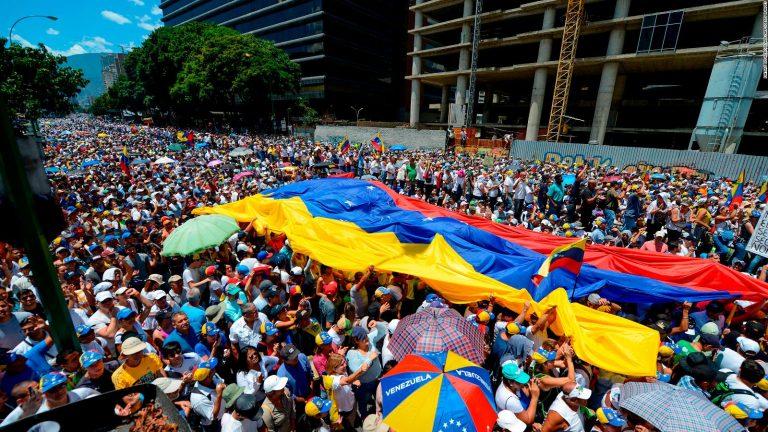 El PP pide al Gobierno que siga reconociendo a Guaidó en Venezuela y lidere esta petición en la UE