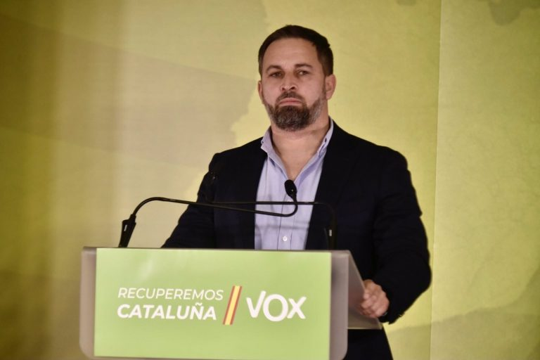 Abascal afea al PP que se desmarque del acto público de Vox en Ceuta y compara a Cuca Gamarra con Otegi