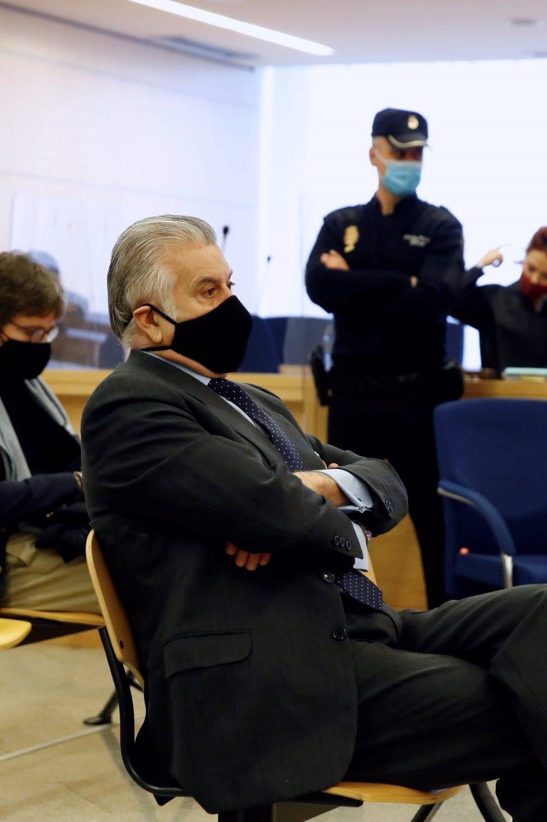 El abogado de Bárcenas pide un careo entre el extesorero del PP y Rajoy