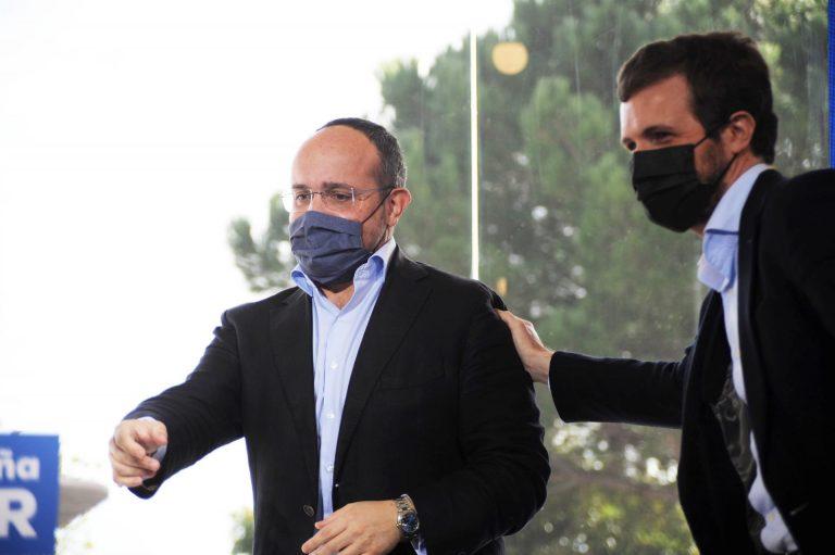 Fernández (PP) denuncia la crueldad con que se han aplicado las retricciones a la hostelería en Cataluña