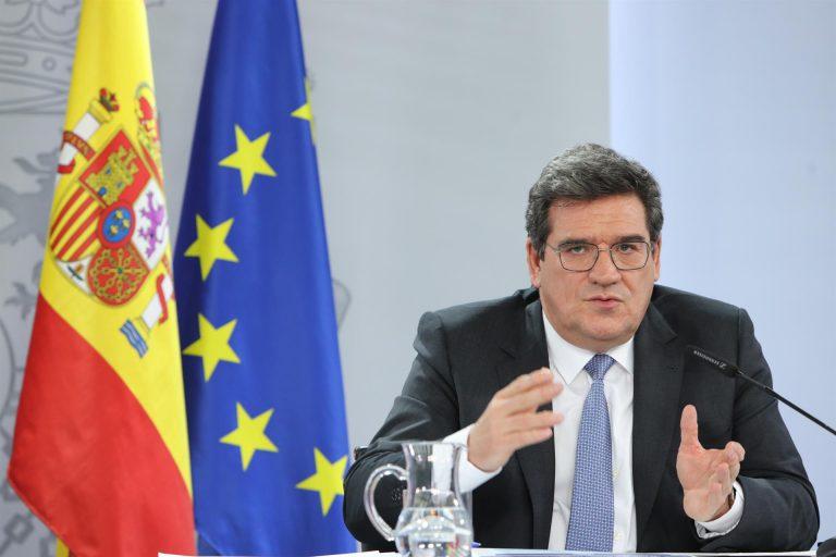 Escrivá recuerda a Iglesias que España «destaca» en las listas de democracias más plenas por delante de Italia y Francia