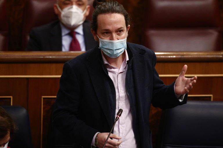 El PSOE evita aplaudir a Iglesias en el Congreso, y Sánchez y Calvo no le defienden ante las críticas de la oposición
