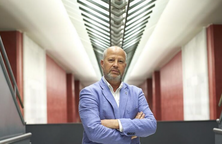 El consejero de Educación andaluz insiste en que él no ha firmado «ningún pin parental»