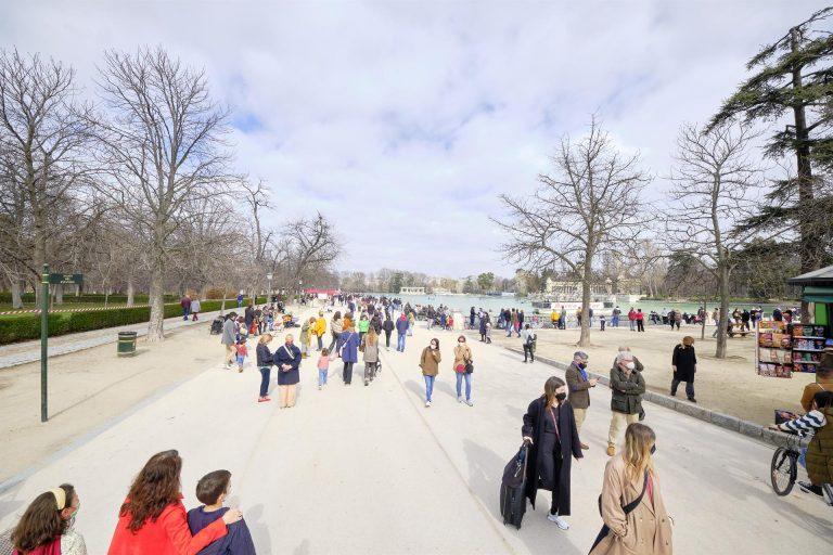 Primer fin de semana con el Retiro de Madrid abierto (parcialmente) tras Filomena
