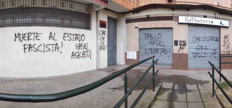 """El PSOE denuncia """"odio y violencia"""" tras aparecer pintadas en varias de sus sedes sobre Hasél"""