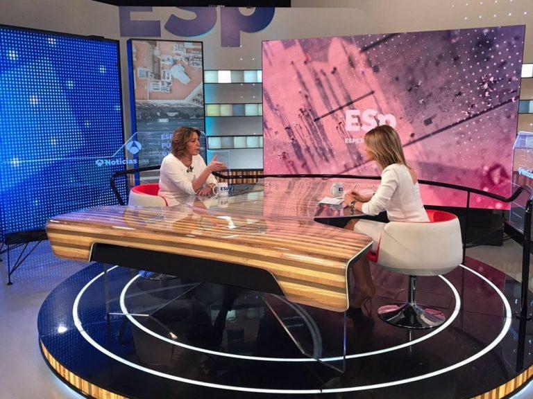 """Susana Díaz dice que no es """"la misma de hace años, porque de los golpes se aprende"""" y defiende su """"renovación"""" en PSOE-A"""