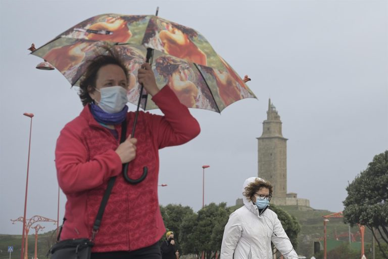 Sábado de alerta por viento y lluvias en Galicia, Cantábrico, Sistema Central y Canarias