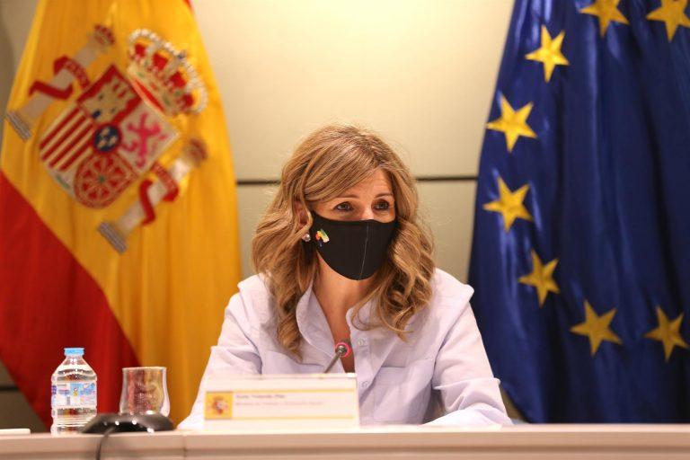 Yolanda Díaz admite que los ERTE no son suficientes para los sectores más afectados por la pandemia