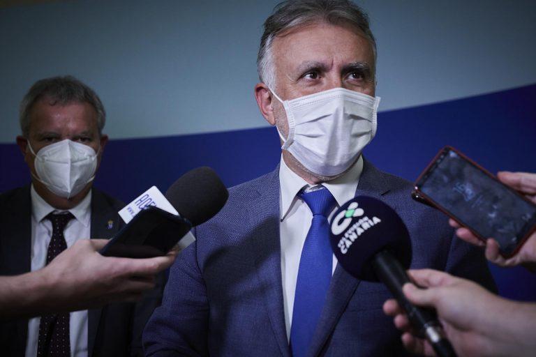"""El presidente de Canarias plantea reforzar el 'pasaporte covid' con otras medidas: """"No podemos perder el tiempo"""""""
