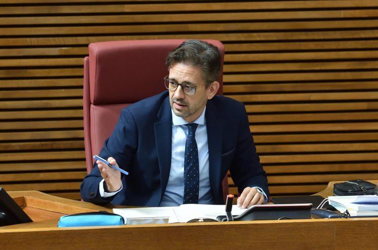 """El PP asegura haber recibido un """"anónimo"""" con """"listas de altos cargos"""" del Gobierno valenciano vacunados irregularmente"""