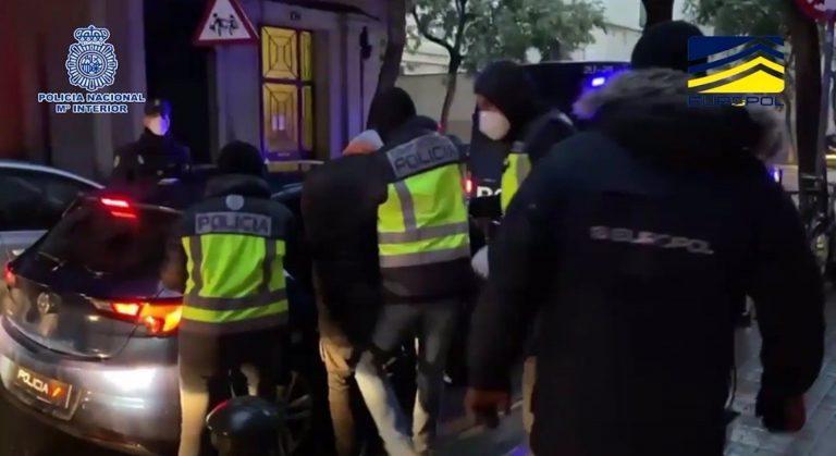 Menos de cuatro de cada diez yihadistas detenidos en España en 2020 tenía antecedentes penales