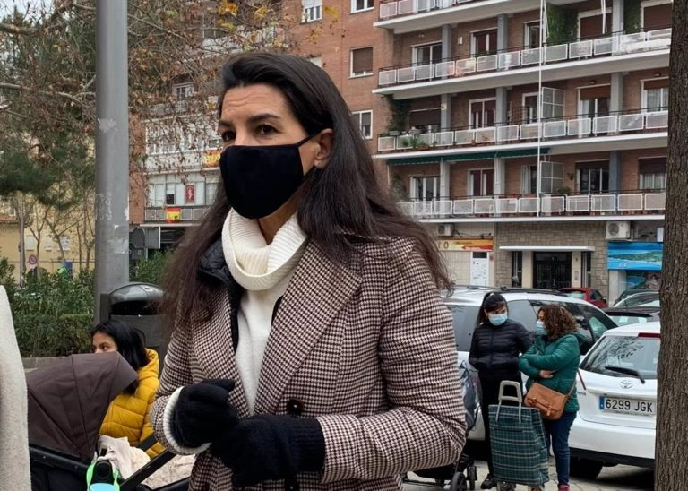 """Monasterio critica que se dé """"4.700€ al mes por mena"""" y defiende que las ayudas sociales """"tienen que ser para los españoles"""""""