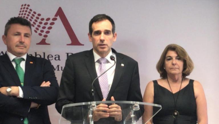 El resultado final de las mociones de censura en la Región de Murcia sigue en el aire