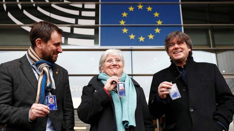 El Parlamento Europeo levanta la inmunidad a Puigdemont, Comín y Ponsatí