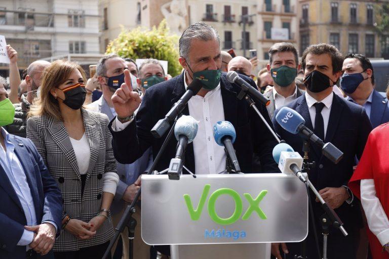"""Ortega Smith lamenta que el Gobierno anteponga """"chiringuitos ideológicos"""" y deje a los españoles """"los últimos"""""""