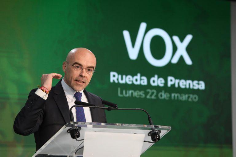 Vox defiende la llegada de turistas exteriores y critica las limitaciones para los españoles