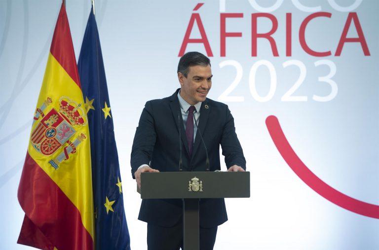 Sánchez viajará hoy a Ceuta y Melilla y advierte de que va a ser «firme» en restablecer el orden en la frontera