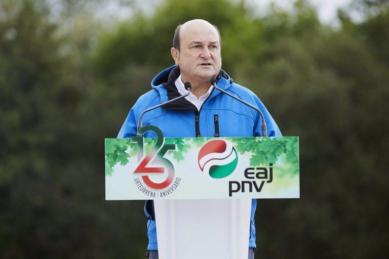 "Ortuzar llama a reivindicar este Aberri Eguna el ""derecho a decidir"" de los vascos"