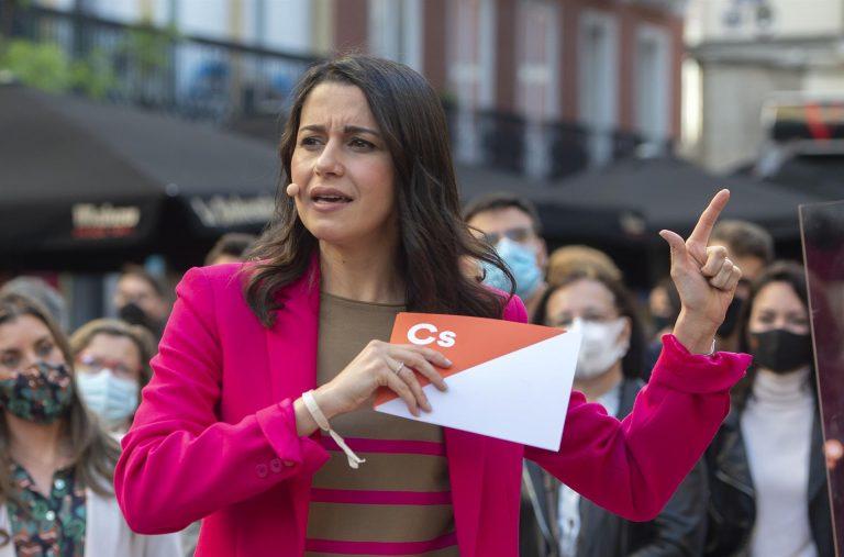 Arrimadas urge a Sánchez a imitar a Biden defendiendo a los demócratas cubanos «frente a la tiranía comunista»