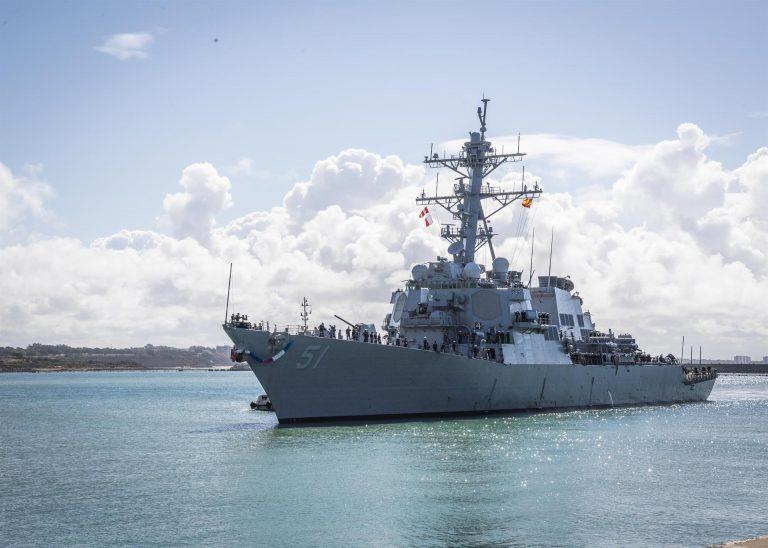 Llega a la base de Rota, su nuevo puerto, el destructor con misiles guiados 'USS Arleigh Burke'