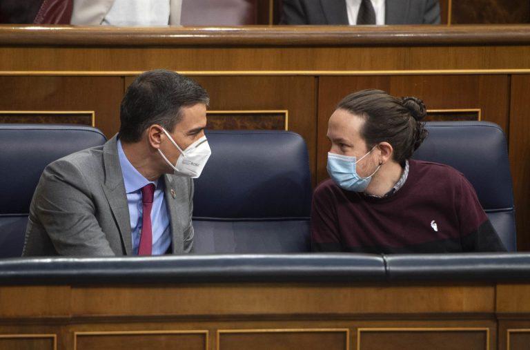 Iglesias insiste en que habrá acuerdo sobre vivienda. Sánchez no se puede permitir ir con el PP