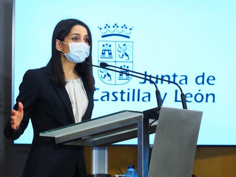 """Arrimadas responde a Casado sobre el """"multipartidismo"""" que """"lo peor que le ha pasado a España es la corrupción"""""""