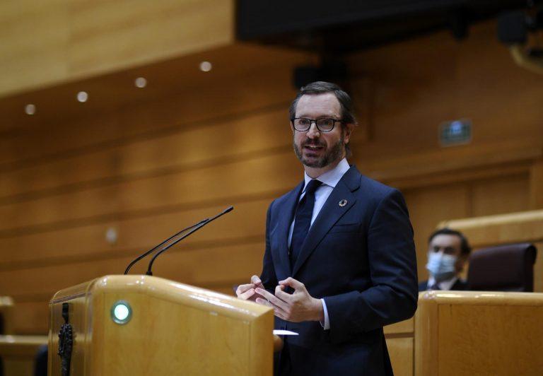 Maroto (PP) acusa a Sánchez de «tumbarse al sol» ante la crisis de Afganistán o el precio de la luz