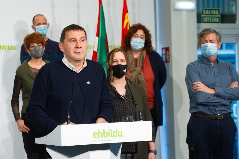 Otegi denuncia el bloqueo de sus redes sociales por transmitir sus condolencias por el fallecimiento del cofundador de ETA