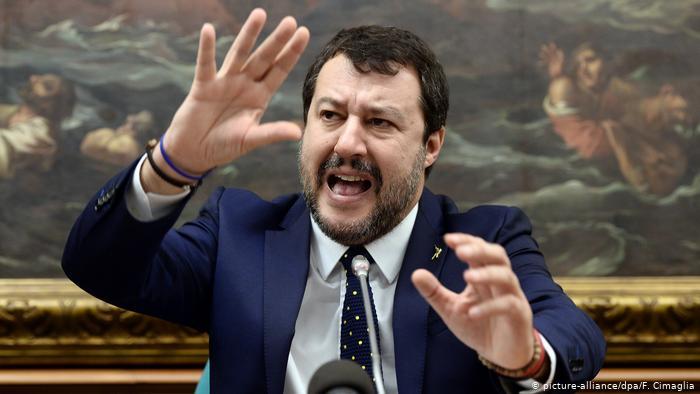 Un juez dictamina juicio para Salvini bajo el cargo de secuestro de migrantes