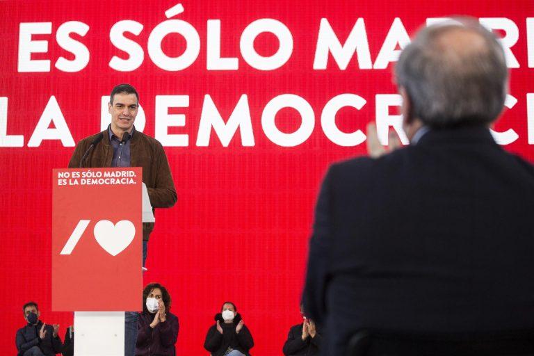 """Sánchez reflexiona en un momento """"lleno de dificultades, siempre hemos estado a la altura"""""""