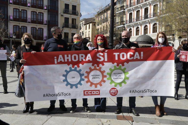 Los sindicatos volverán a manifestarse para exigir subir ya el SMI y derogar la reforma laboral