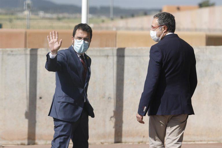 Aragonès visita a los presos del 1-O en su primer día como presidente de la Generalitat