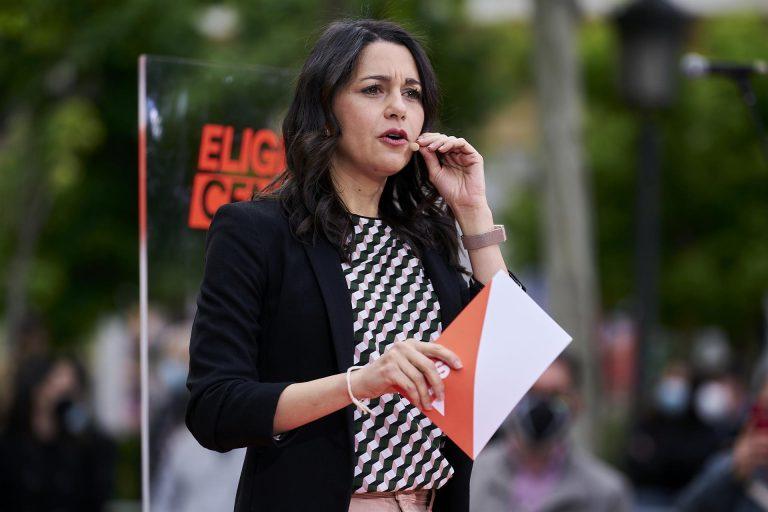 """Arrimadas bromea con el lapsus de Bea Fanjul (PP) y dice que Ciudadanos y Bal son """"lo bueno conocido y lo bueno por conocer"""""""