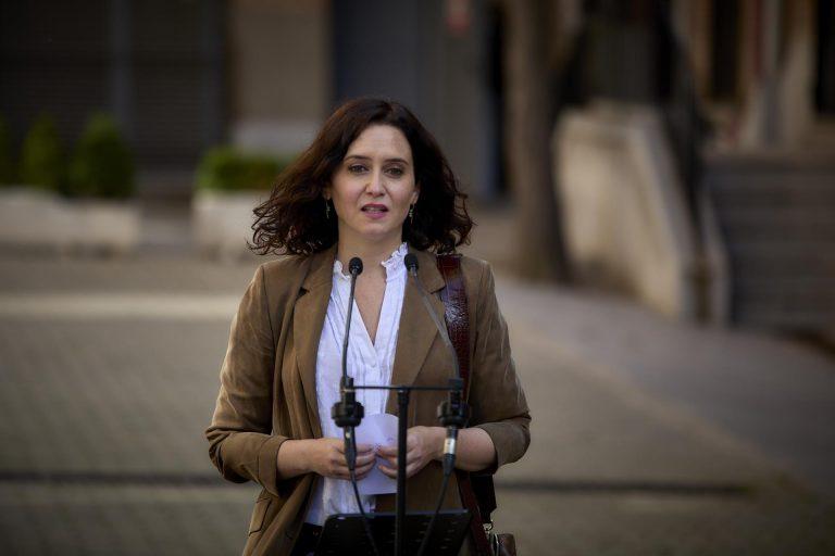 """Ayuso defiende que la hostelería """"no puede pagar la ineficacia"""" de Sánchez y que seguirá aplicando la normativa regional"""