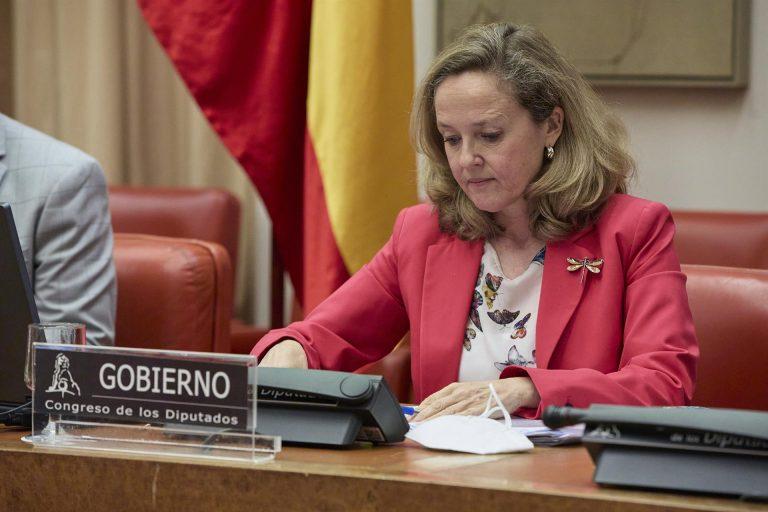 """Calviño advierte de que la competencia impositiva """"a la baja"""" entre CCAA nos empobrece a todos"""