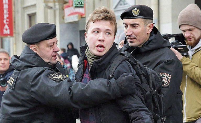La OTAN denuncia que Bielorrusia puso en riesgo la vida de los pasajeros del vuelo desviado a Minsk