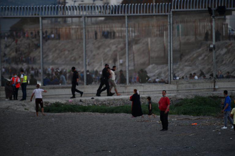 La crisis de Ceuta obliga a movilizar al Ejército