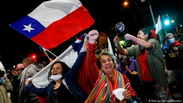 España ofrece compartir su experiencia en el proceso constitucional que se abre en Chile