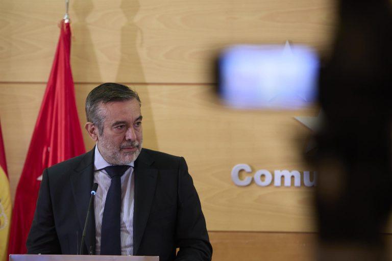 """Madrid no quiere aplicar toque de queda: """"No podemos cerrar a miles de habitantes por cientos de jóvenes"""""""