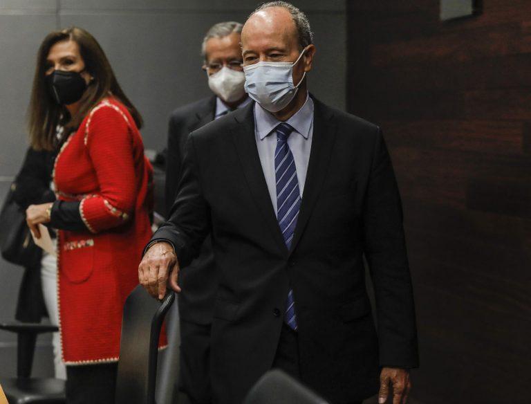 El Gobierno sopesa realizar cambios legales para afrontar la pandemia si el Supremo no avala a las CCAA