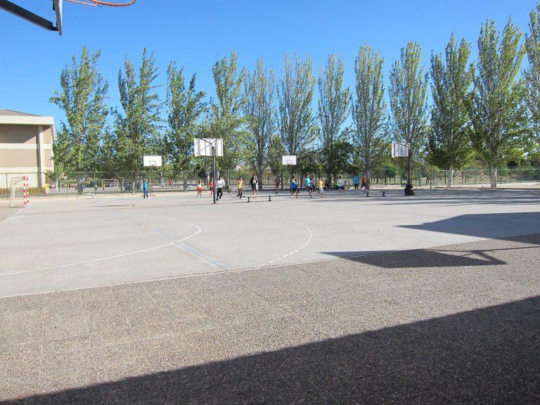 Andalucía pide suprimir la mascarilla en exteriores en los centros escolares para el próximo curso