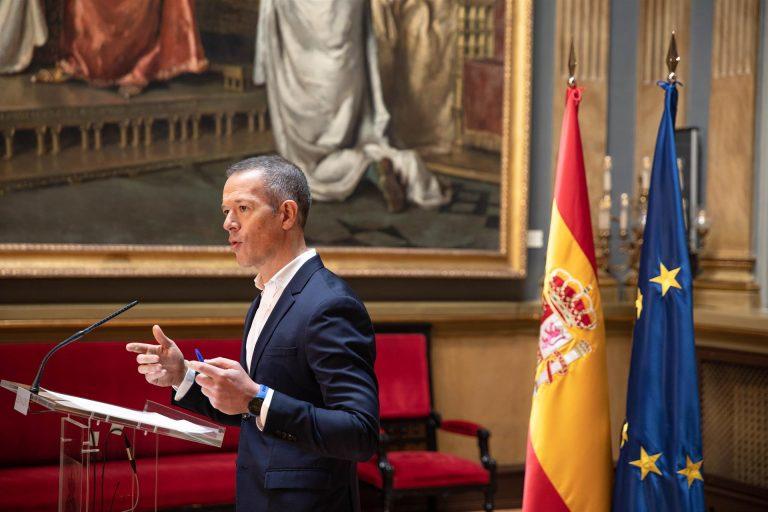 """El PSOE defiende la prohibición del mitin de Abascal en Ceuta y le acusa de querer """"incendiar"""" para sacar rédito"""