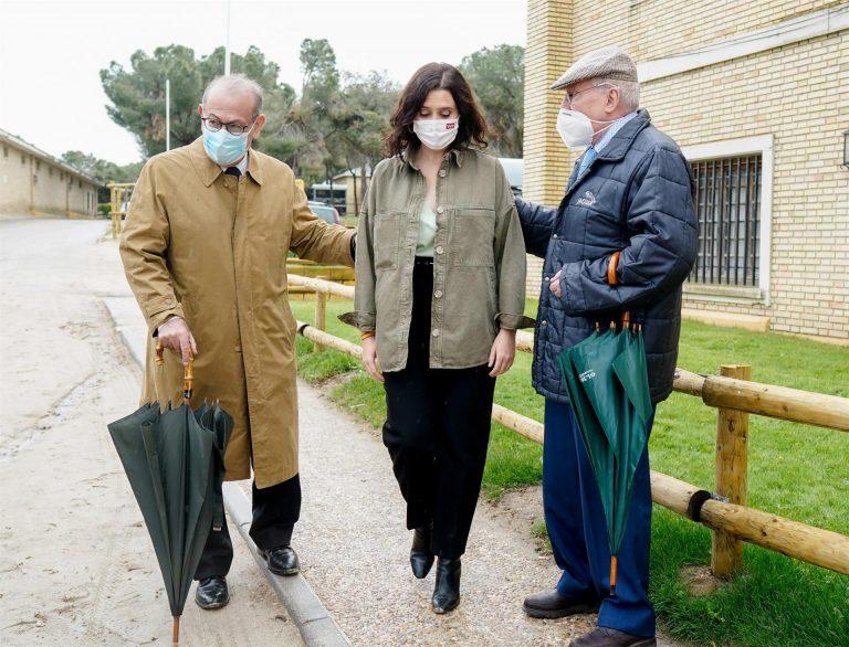 Casado cree que Leguina y Redondo han sido «purgados» por el «sanchismo» y dice que serían bienvenidos