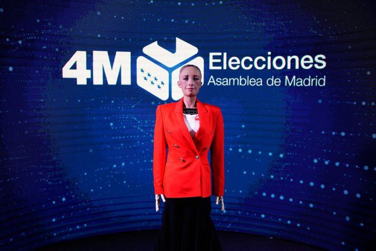 La Comunidad aplica la inteligencia artificial por primera vez en un proceso electoral a través del robot Sophia
